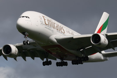 Emirates Airbus A380-861 s/n A6-EET on final approach at Glasgow Airport